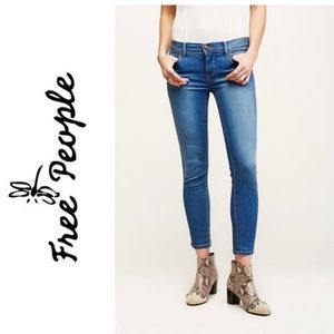 Free People Skinny Jean Medium Wash Size 24